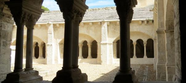 Location Sausset visite de l'abbaye de Montmajour